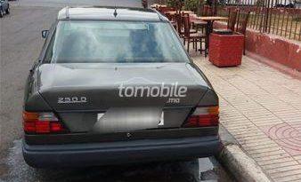 Mercedes-Benz 250 Occasion 1985 Diesel 100000Km Casablanca #63624 plein