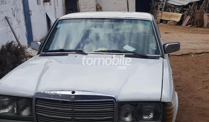 Voiture Mercedes benz 240 04/2019 à casablanca  Essence