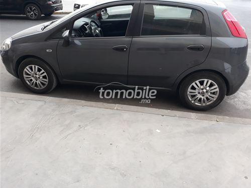 Voiture Fiat Grande punto 2015 à casablanca  Diesel  - 5 chevaux