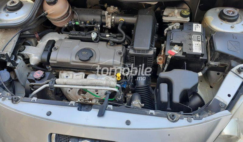 Voiture Peugeot 206 10/2011 à tanger  Essence